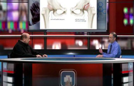 """החלפת מפרק ירך בגישה קדמית עם שולחן – ד""""ר רונן דבי  במילון הרפואי בוידיאו בהנחיית פרופ' קרסו"""
